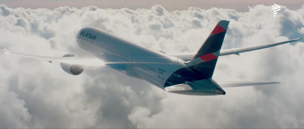 Avión - Latam Airline