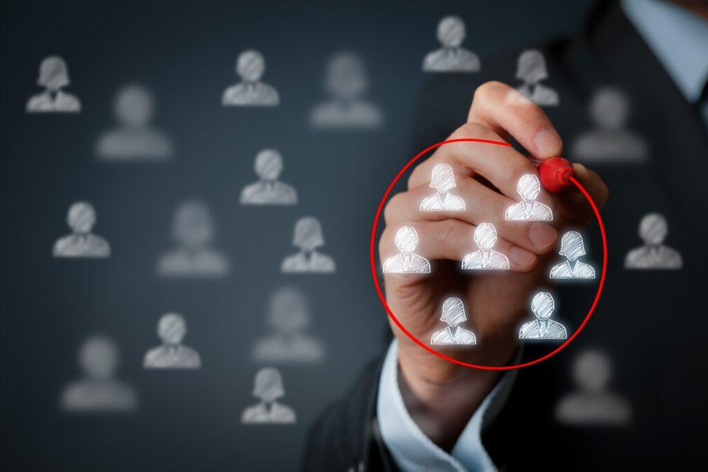 mi empresa B2B necesita una estrategia de Marketing Digital SM Digital tablero target ¿Mi empresa B2B necesita una estrategia de Marketing Digital?